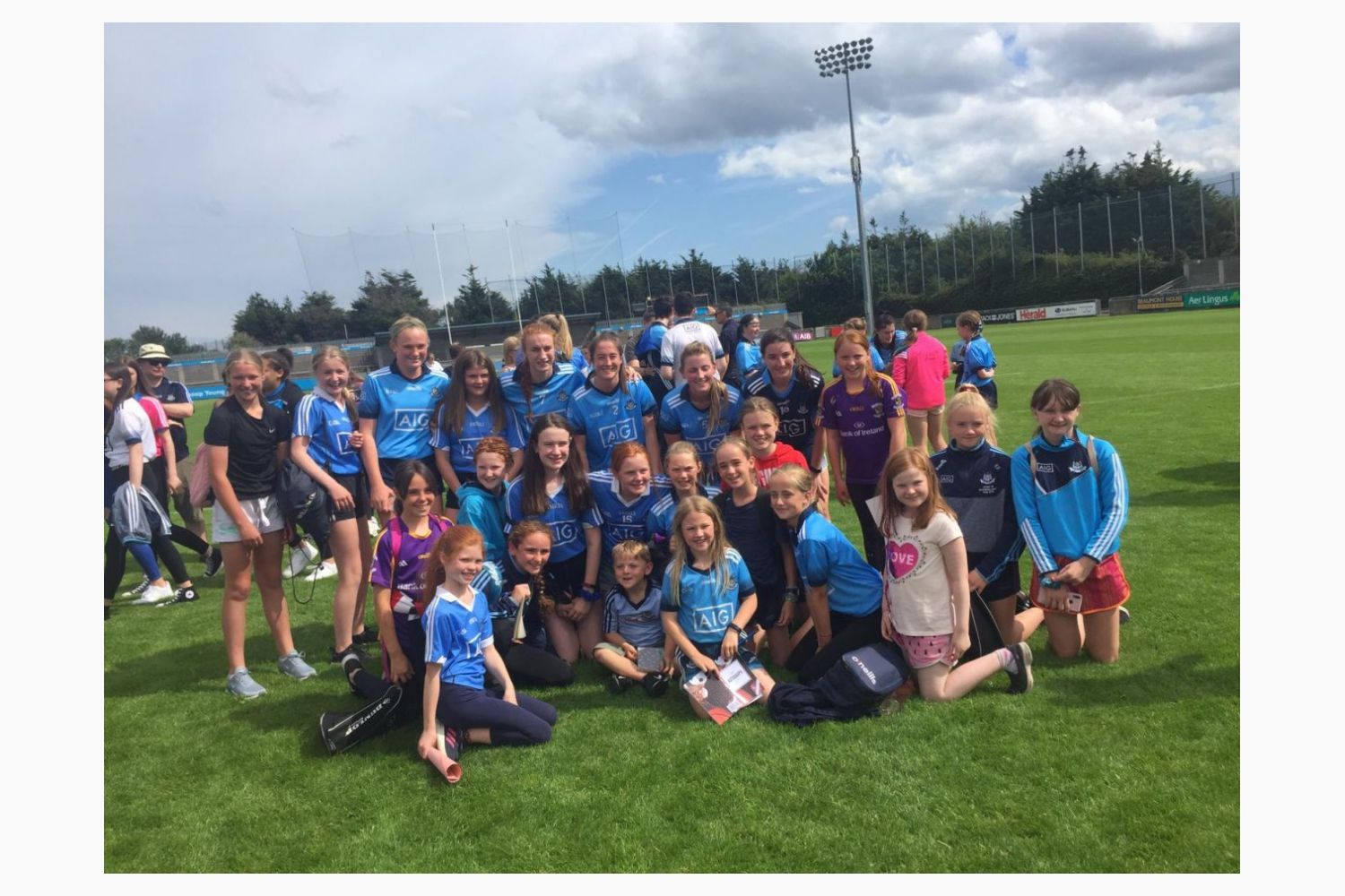 U12's Travel to Parnell Park to Support Dublin Senior Ladies